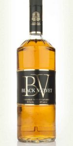 black-velvet-blended-canadian-whisky-1970-whisky